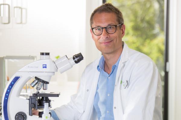 Dr Stefan Grass